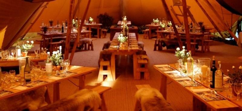 Zweedse Tenten - Festivalbruiloft
